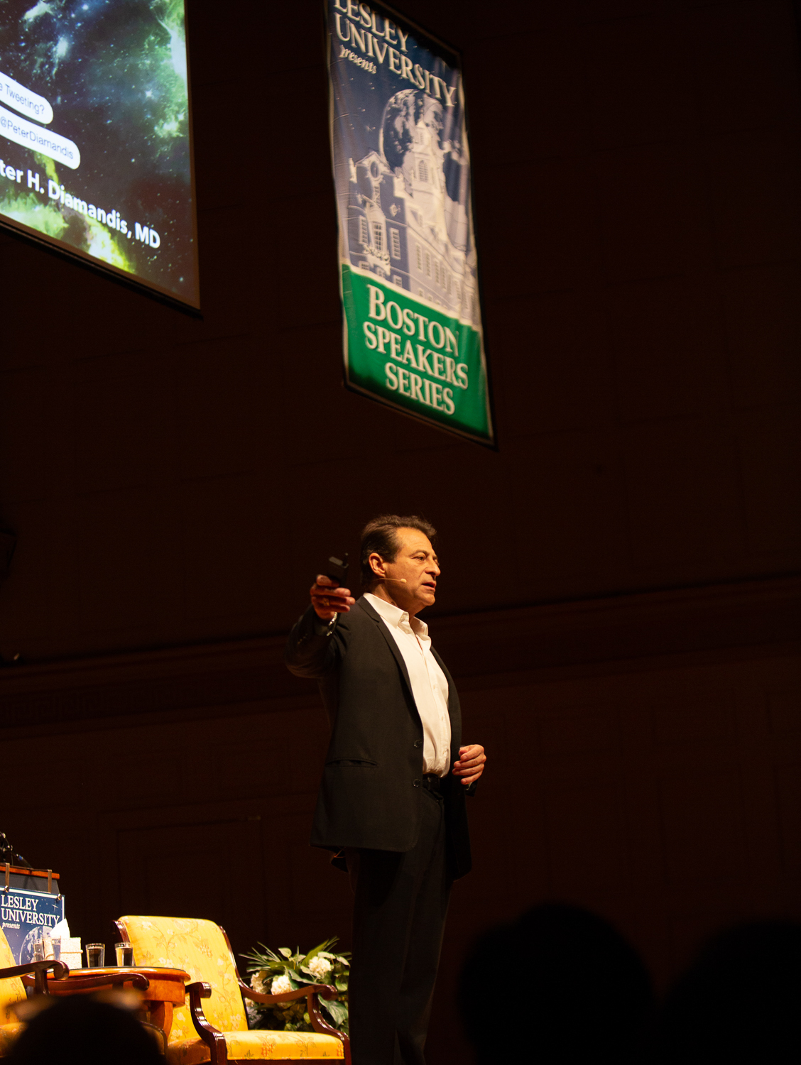 Peter Diamandis speaking on stage