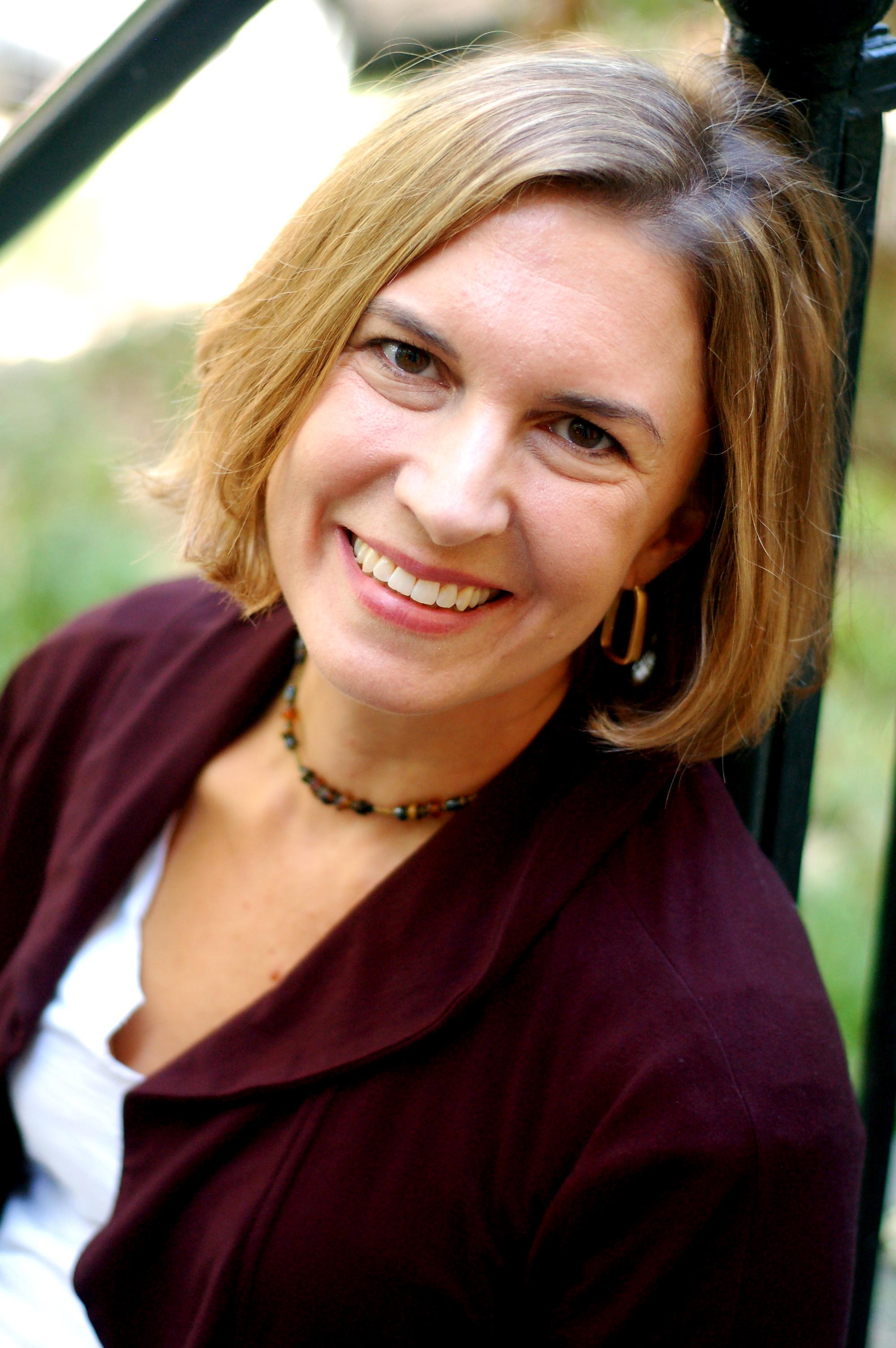 Headshot photograph of visiting author Karen Zacarías