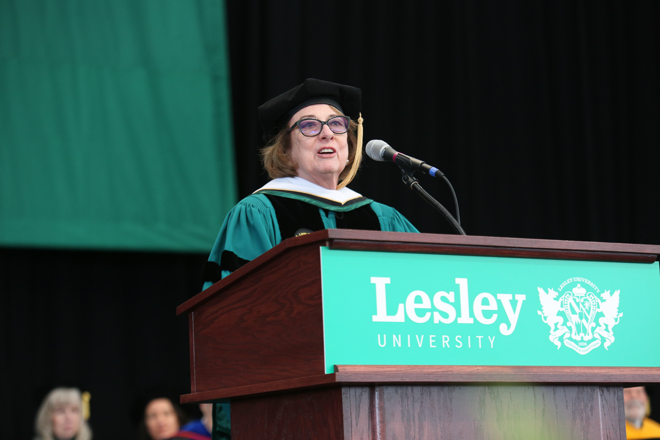Gay Su Pinnell delivers her commencement address