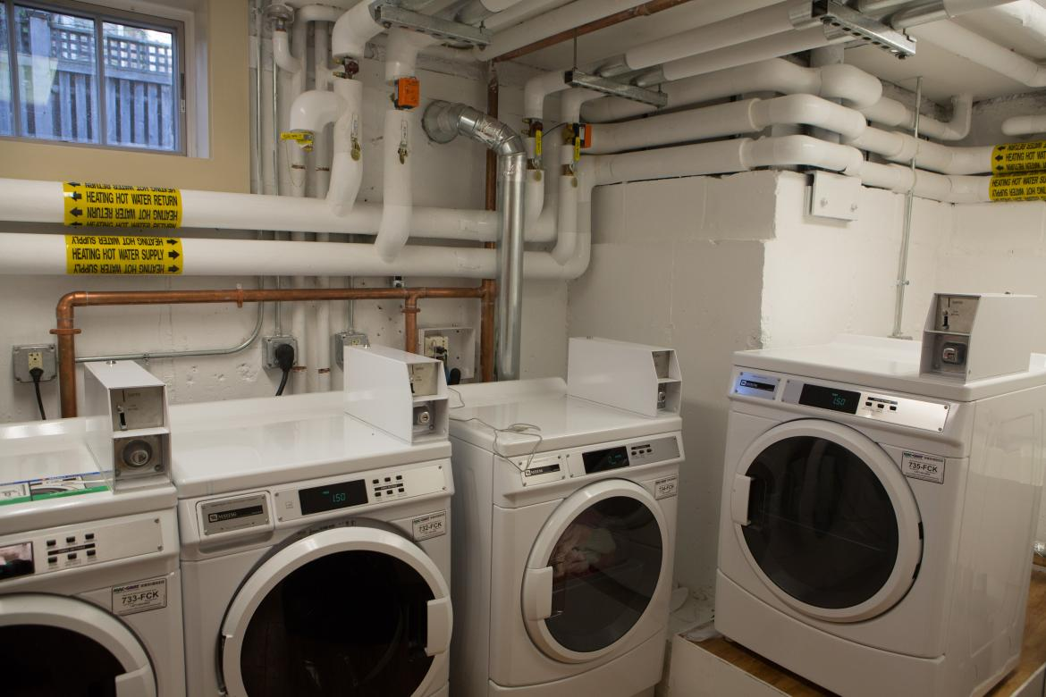 threshold student washing machines and dryers