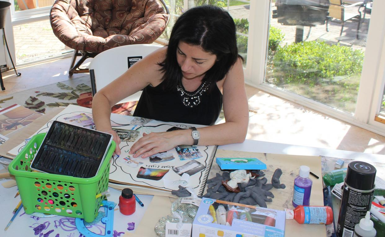 Souhad Chbeir working in her studio