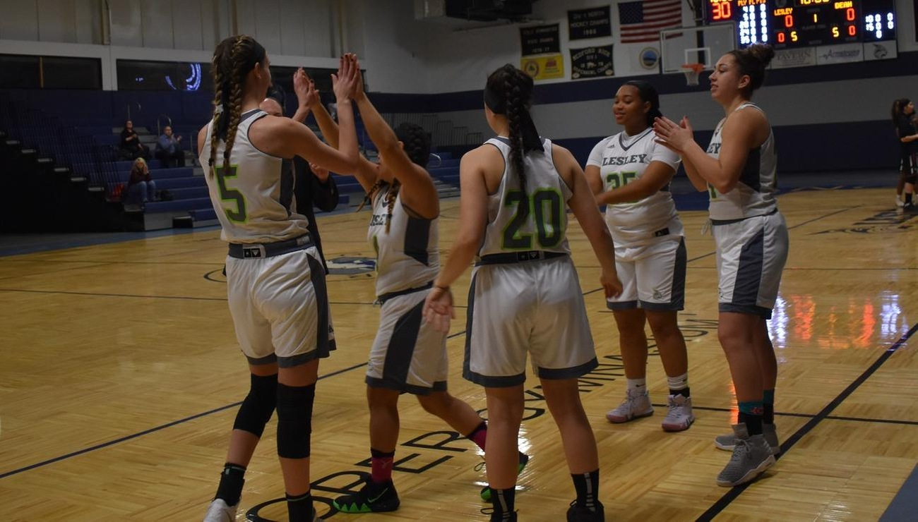 Photograph of the Lesley women's basketball team during a game